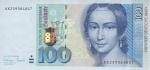 100 VFR markių.
